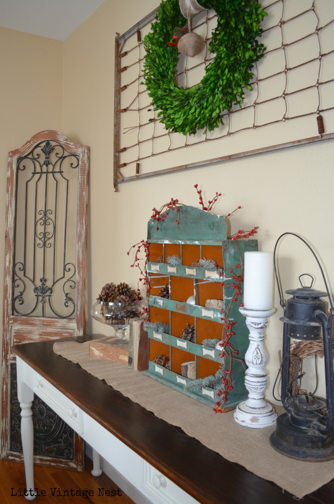 Little Vintage Nest Dining Room Farmhouse Christmas Decor