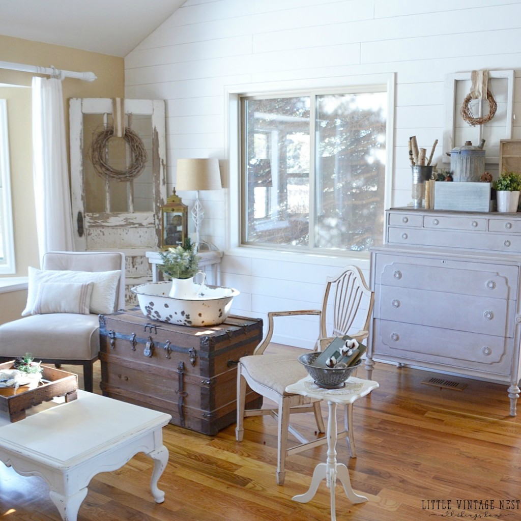 Winter decor 101 blog hop little vintage nest - Winter bedroom decor ...