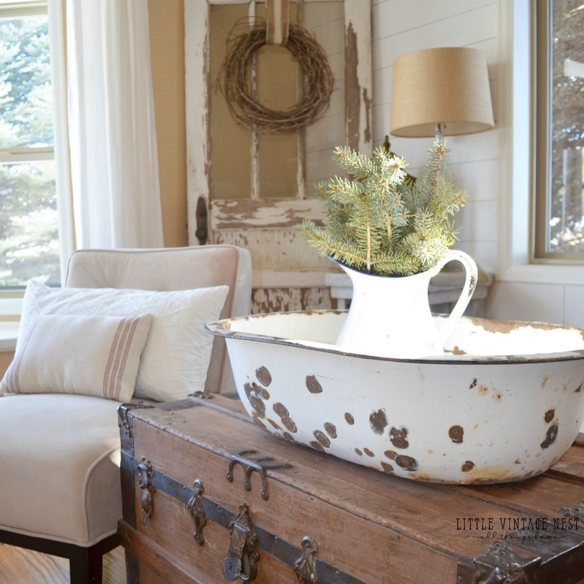 Winter decor 101 blog hop little vintage nest for Home decor 101