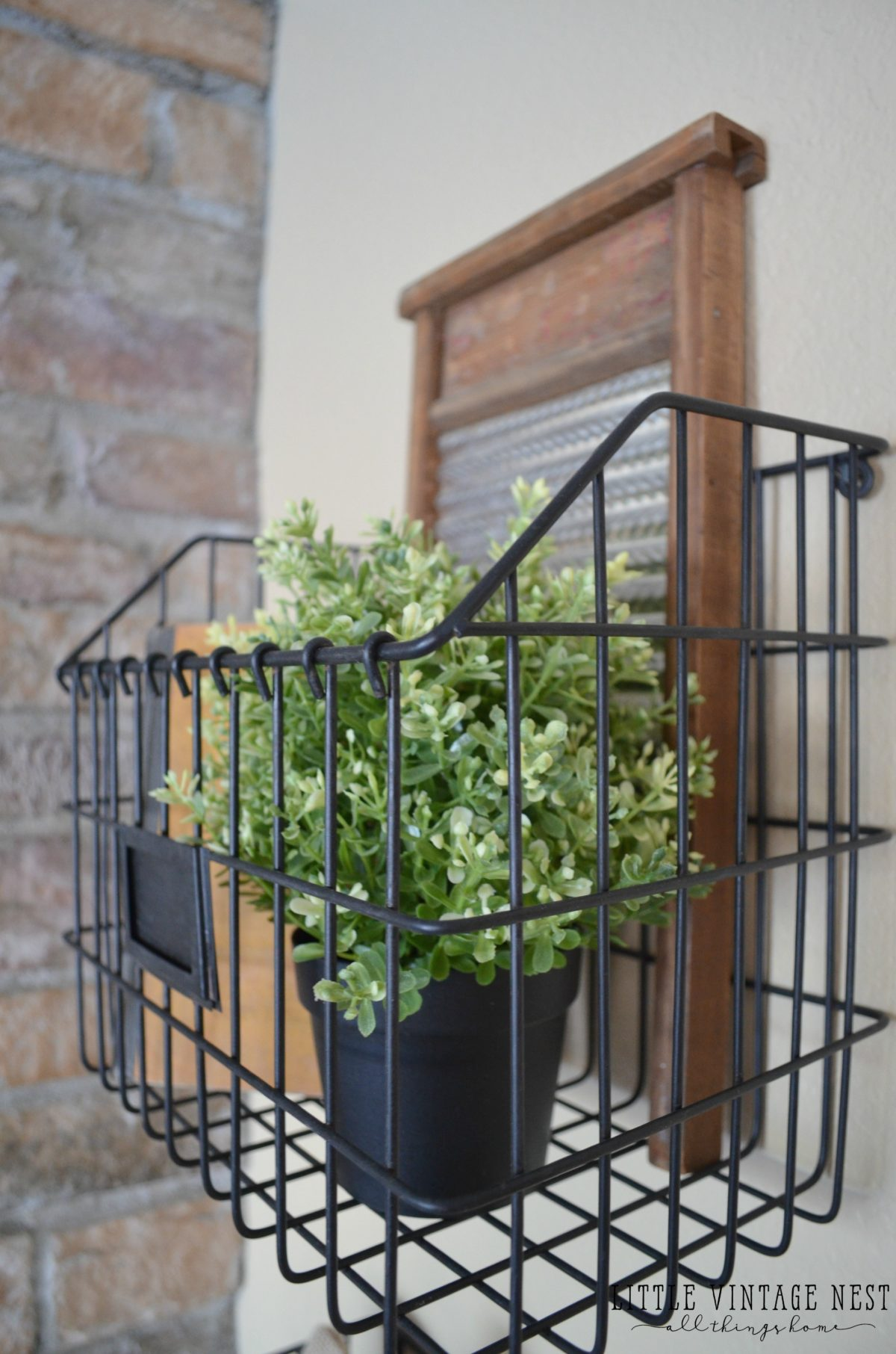 Fabulous Farmhouse Style: Decorating with Wire Baskets - Little Vintage Nest AT78