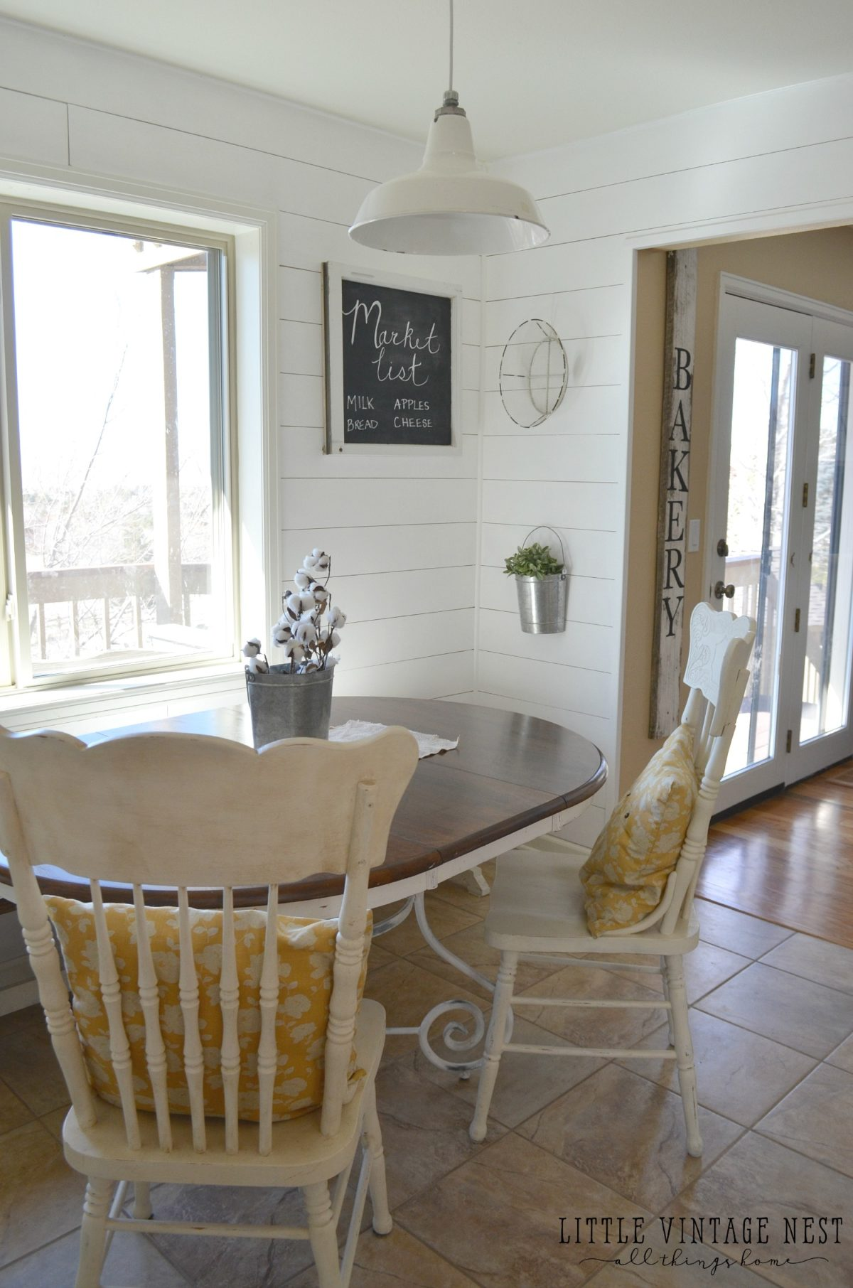 Friday Flip: Farmhouse Chairs in Breakfast Nook