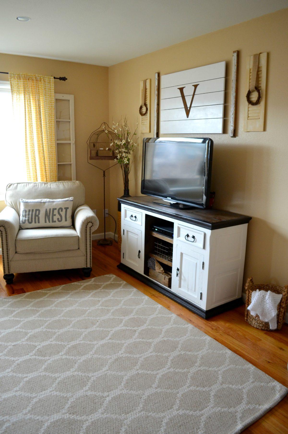 Easy Shutter Upcycle Farmhouse Living Room Decor