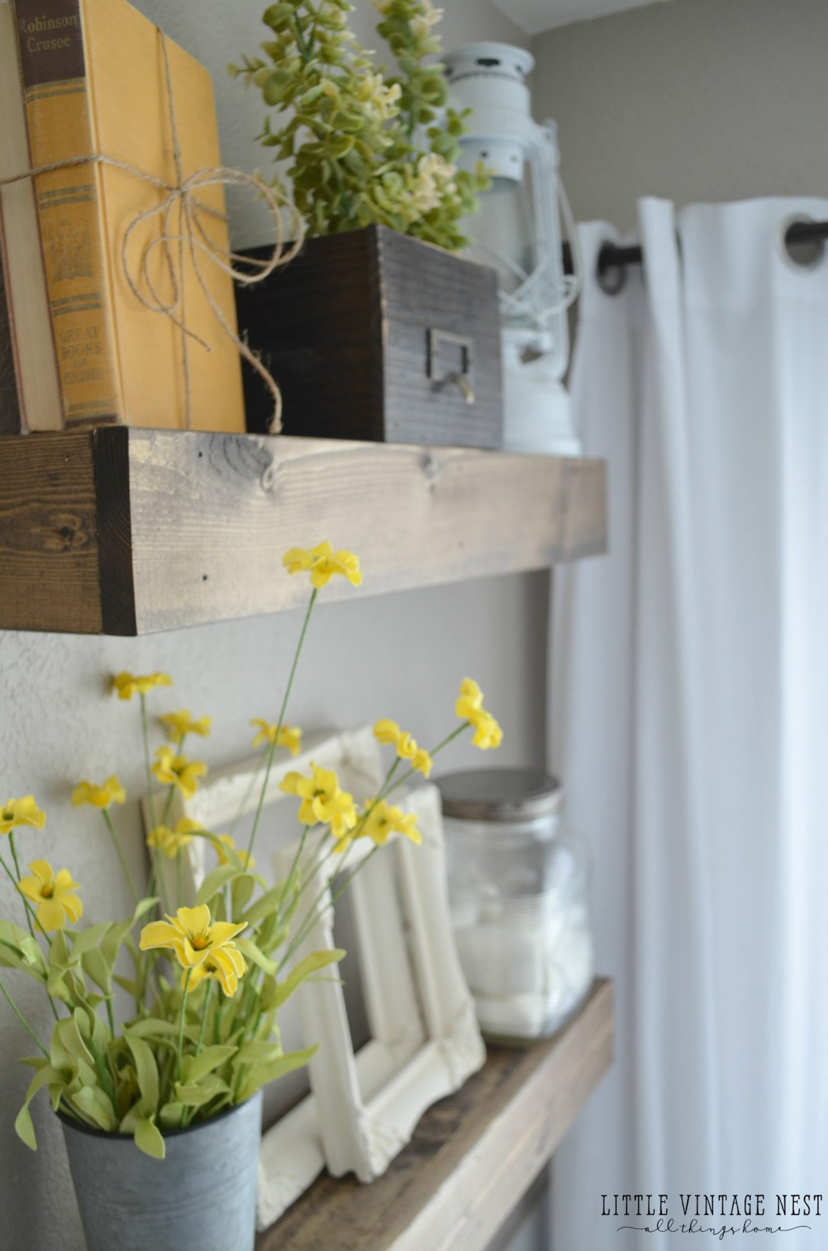 Farmhouse master bathroom reveal little vintage nest for Bathroom hanging decorations