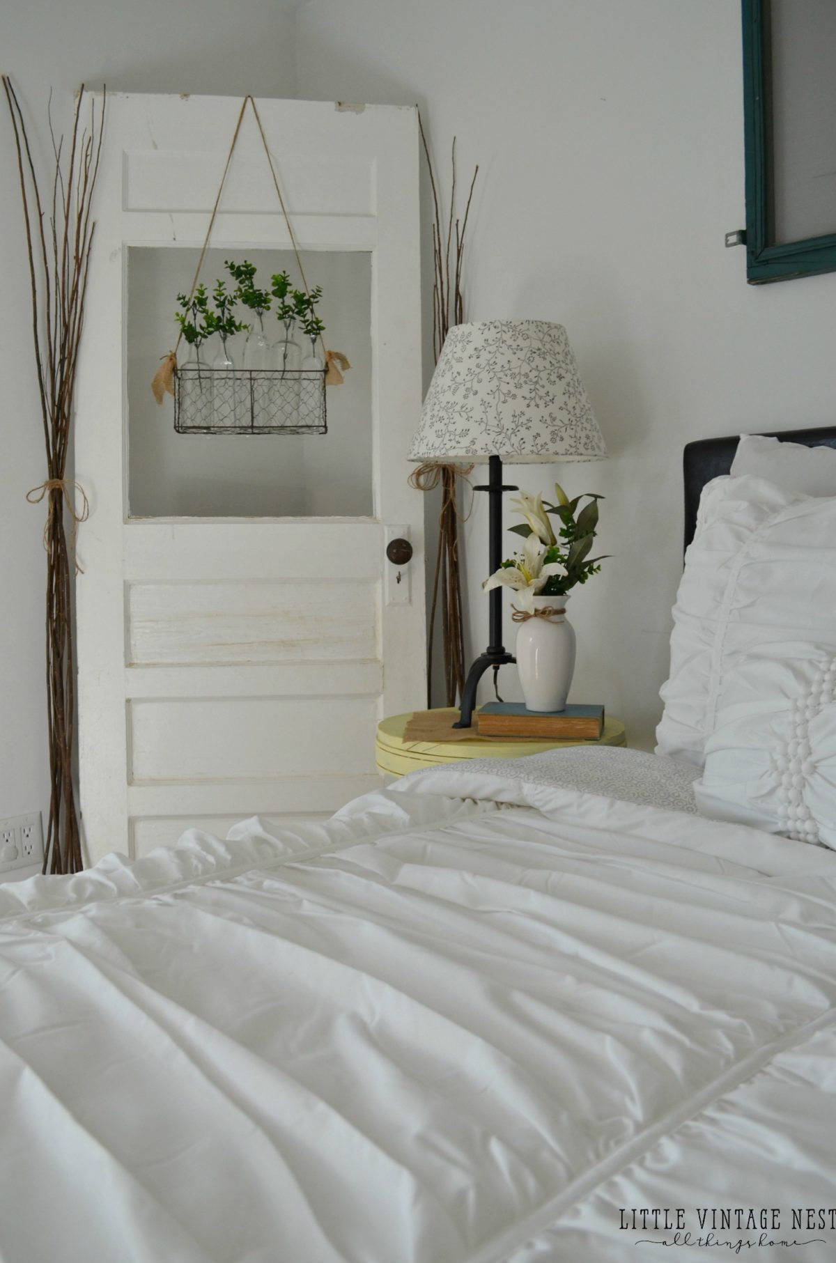 Vintage inspired guest bedroom little vintage nest for Farmhouse guest bedroom