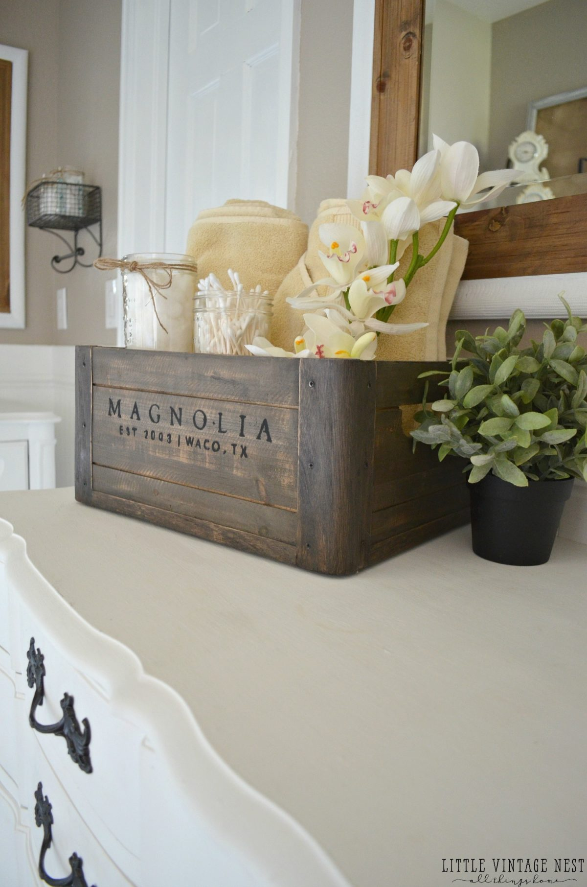 5 ways to style a wooden crate little vintage nest for Bathroom countertop accessories