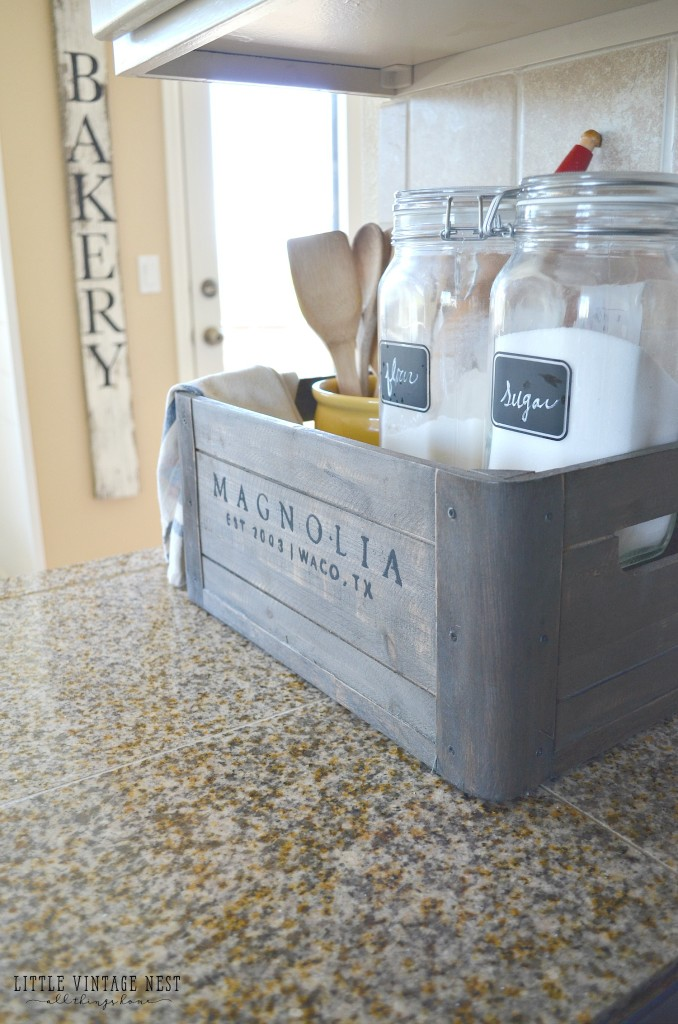 5 Ways To Style A Wooden Crate Farmhouse Kitchen Decor 2