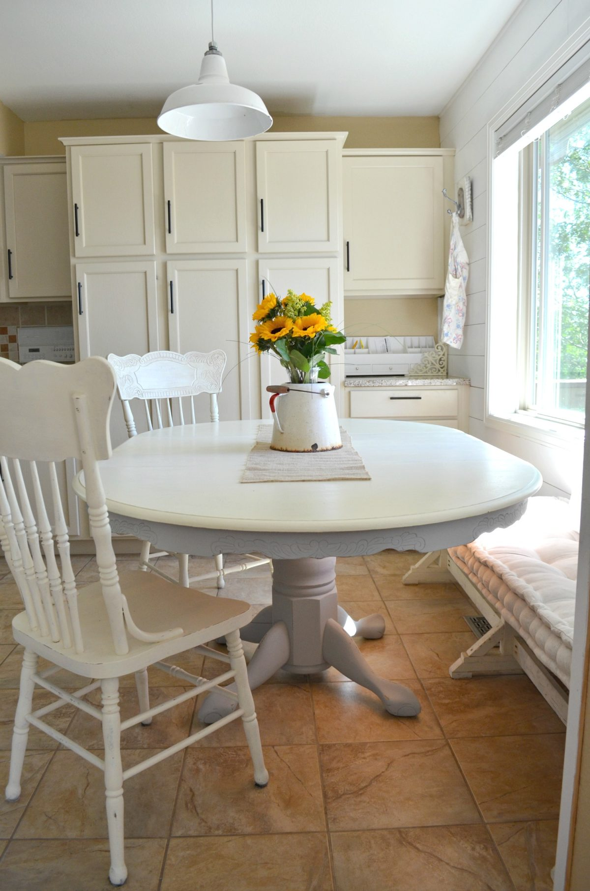 Farmhouse style painting dining room table