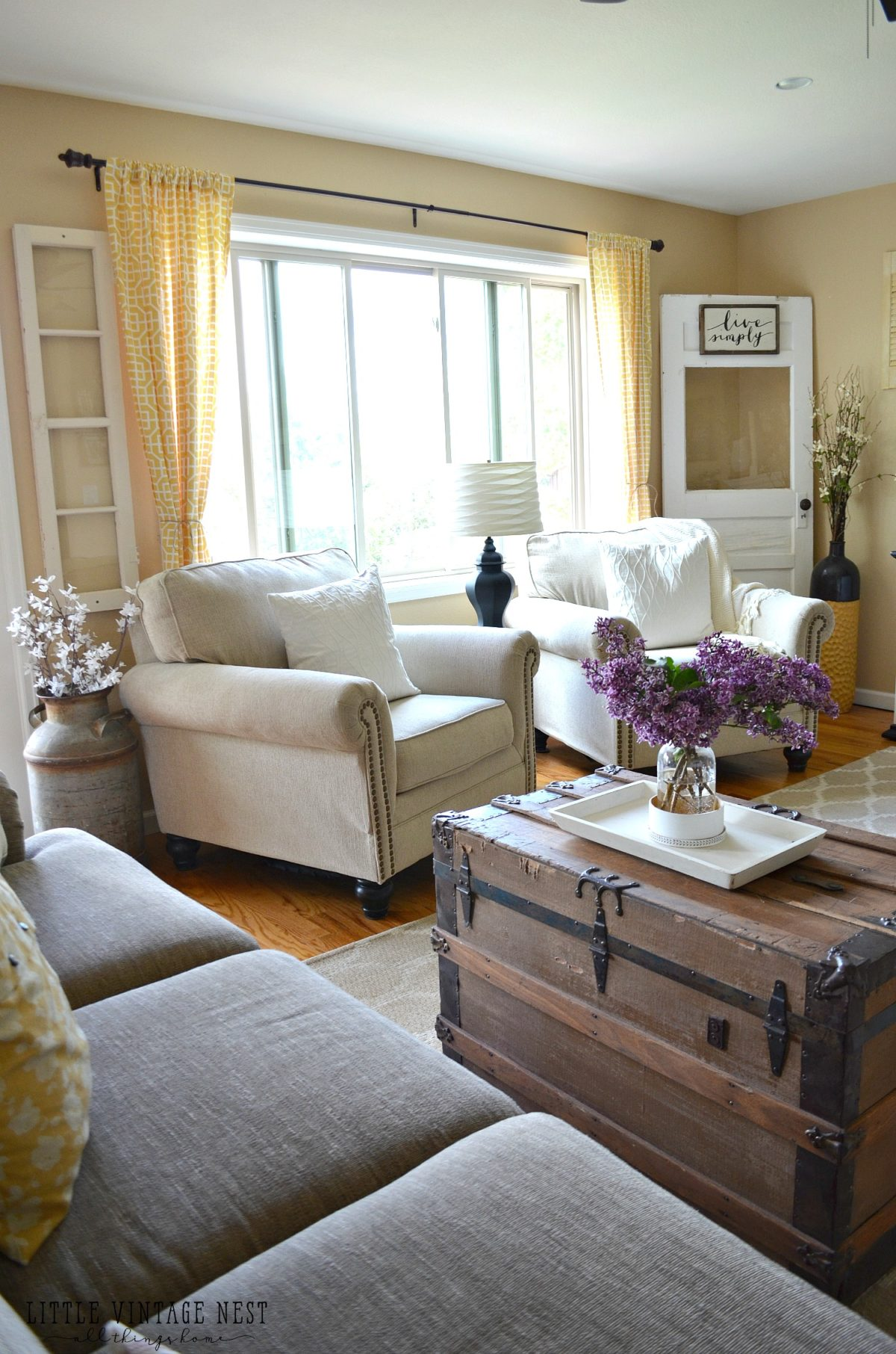 Mansion Drawing Room: Farmhouse Living Room Summer Refresh