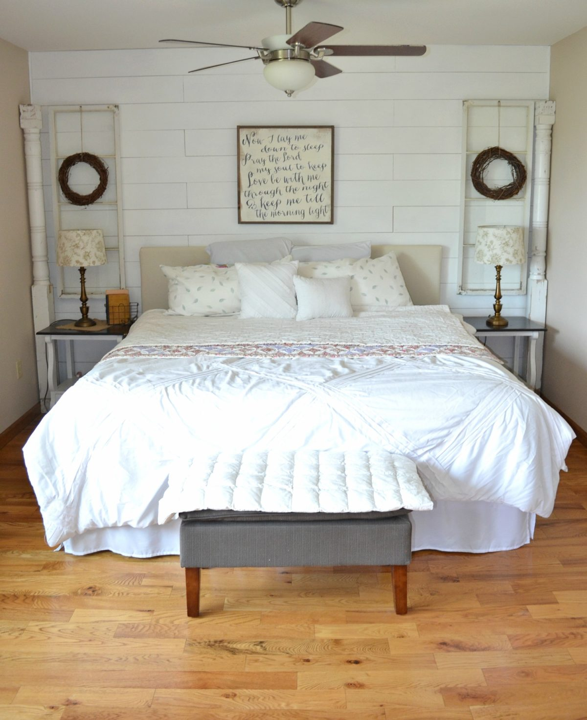 Farmhouse Bedroom: 4 Reasons You Should Decorate With Old Windows