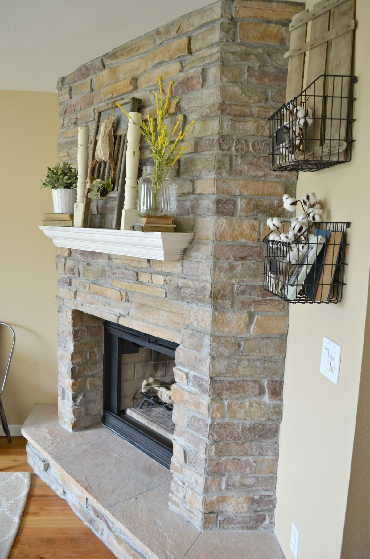 Summertime mantel and Vintage Decor