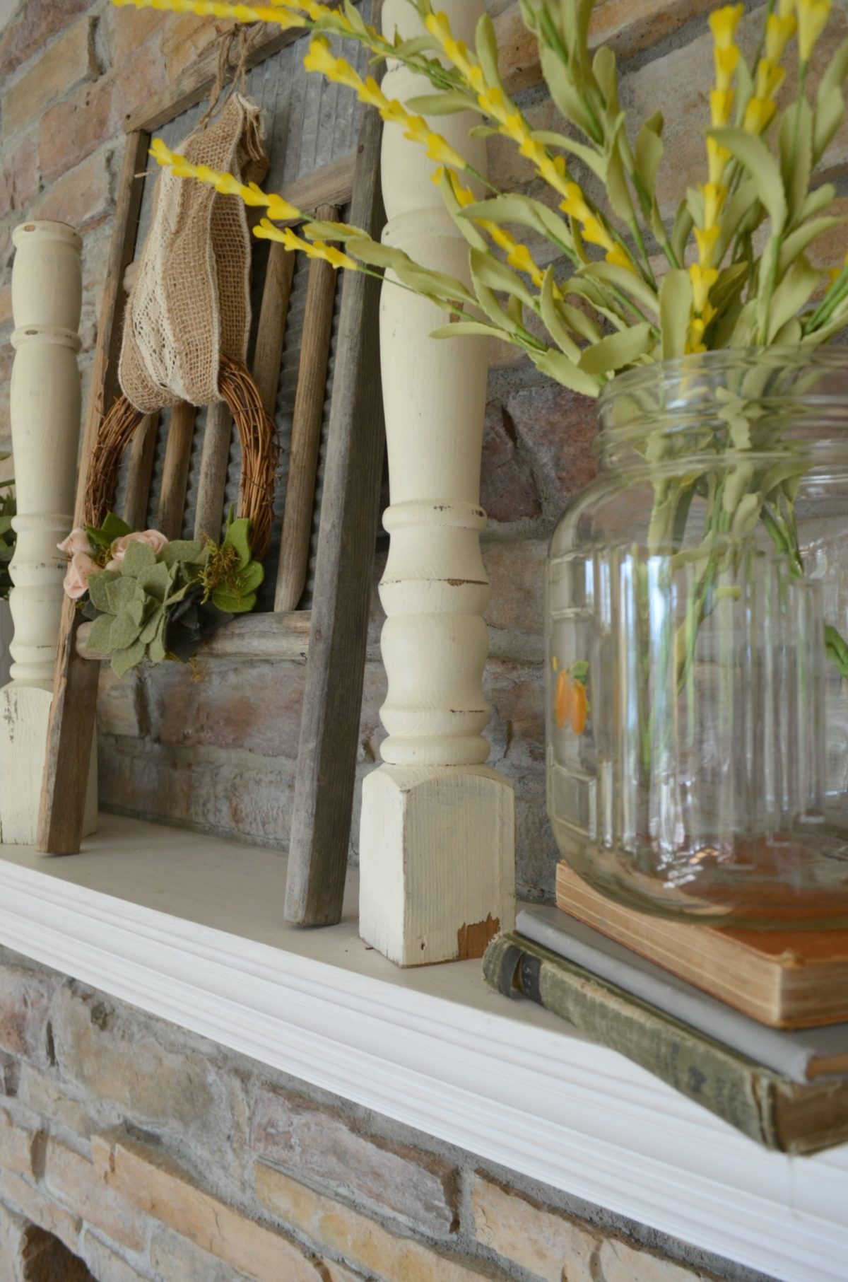 Simple Summertime Mantel and Vintage Glass Jar
