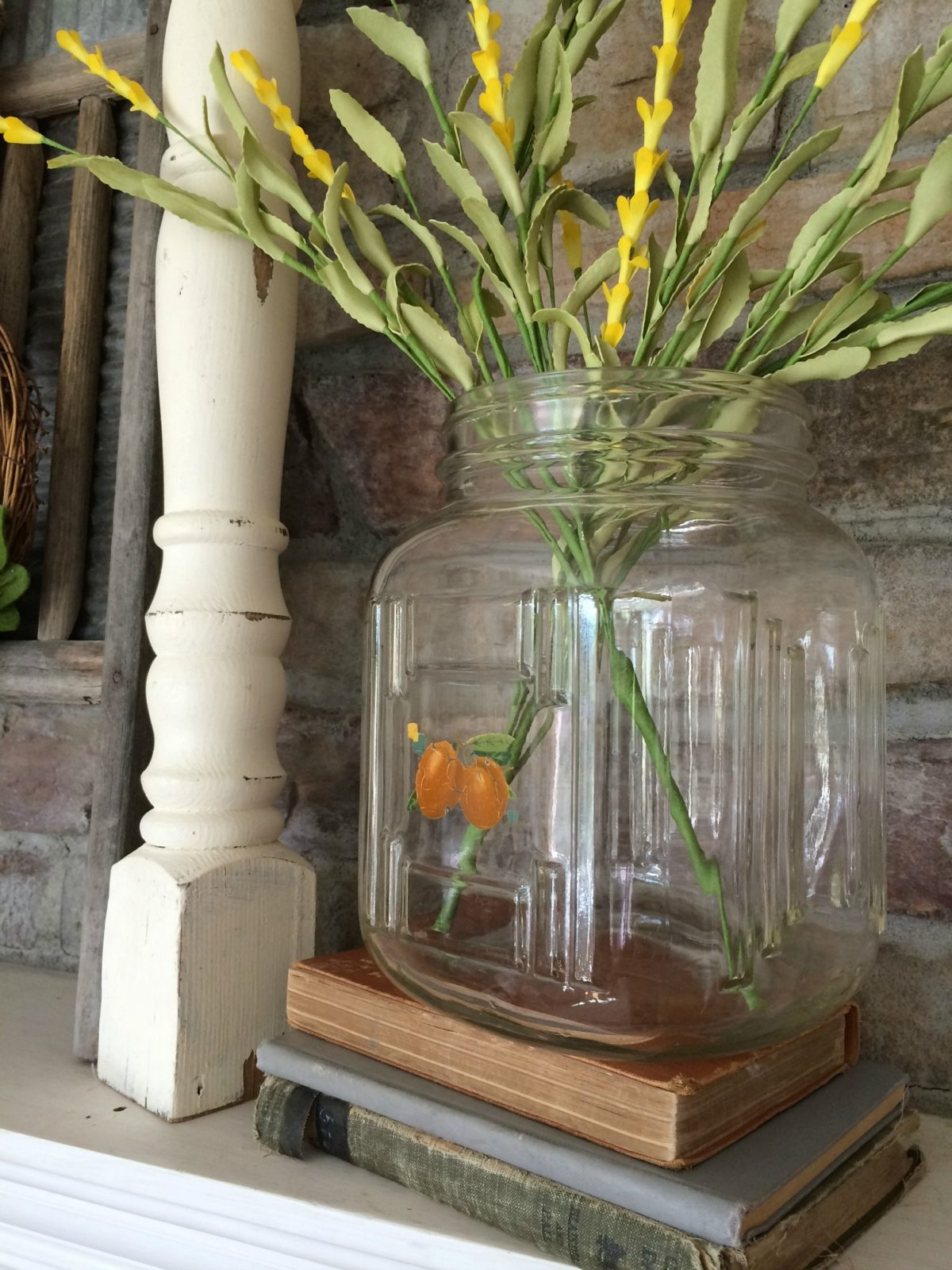 Simple Summertime Mantel & Vintage Jar