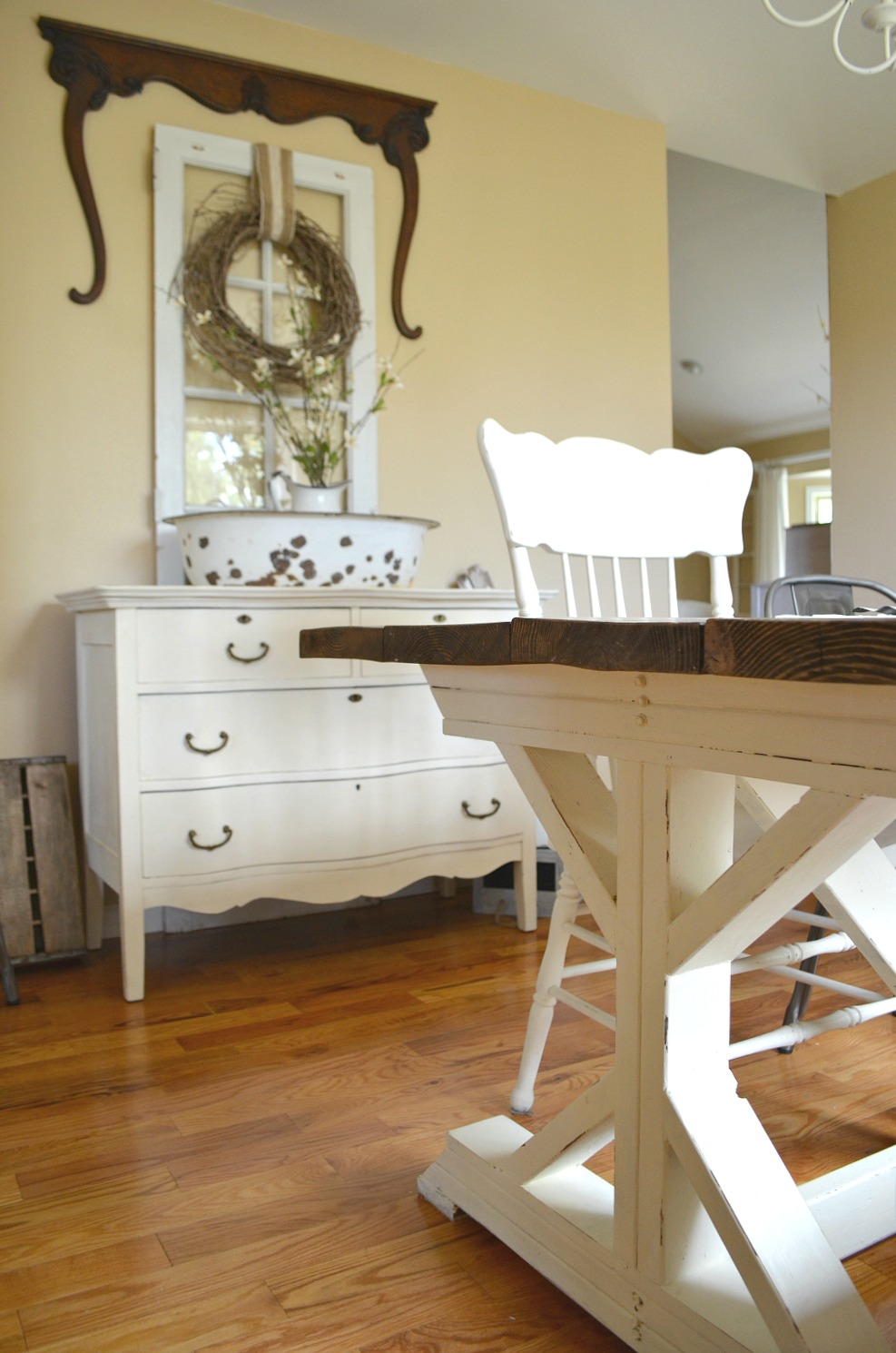 Simple Farmhouse Style Dining Room Farmhouse Table