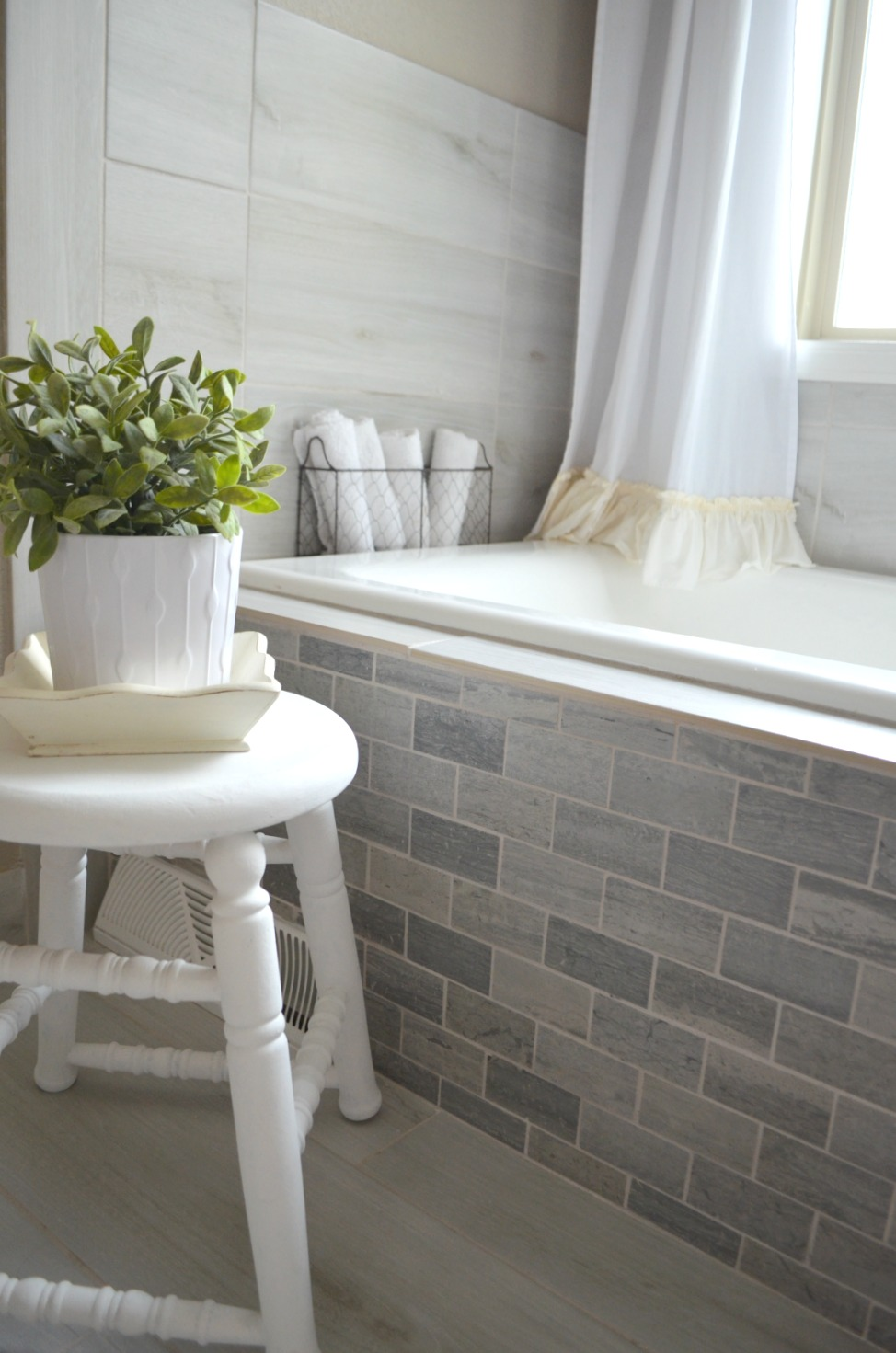 Vintage Farmhouse Style Bathroom