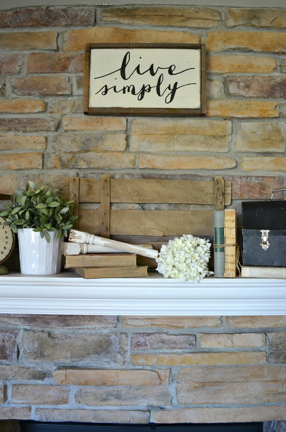 4 Tips for Decorating the Mantel--Vintage Farmhouse Decor