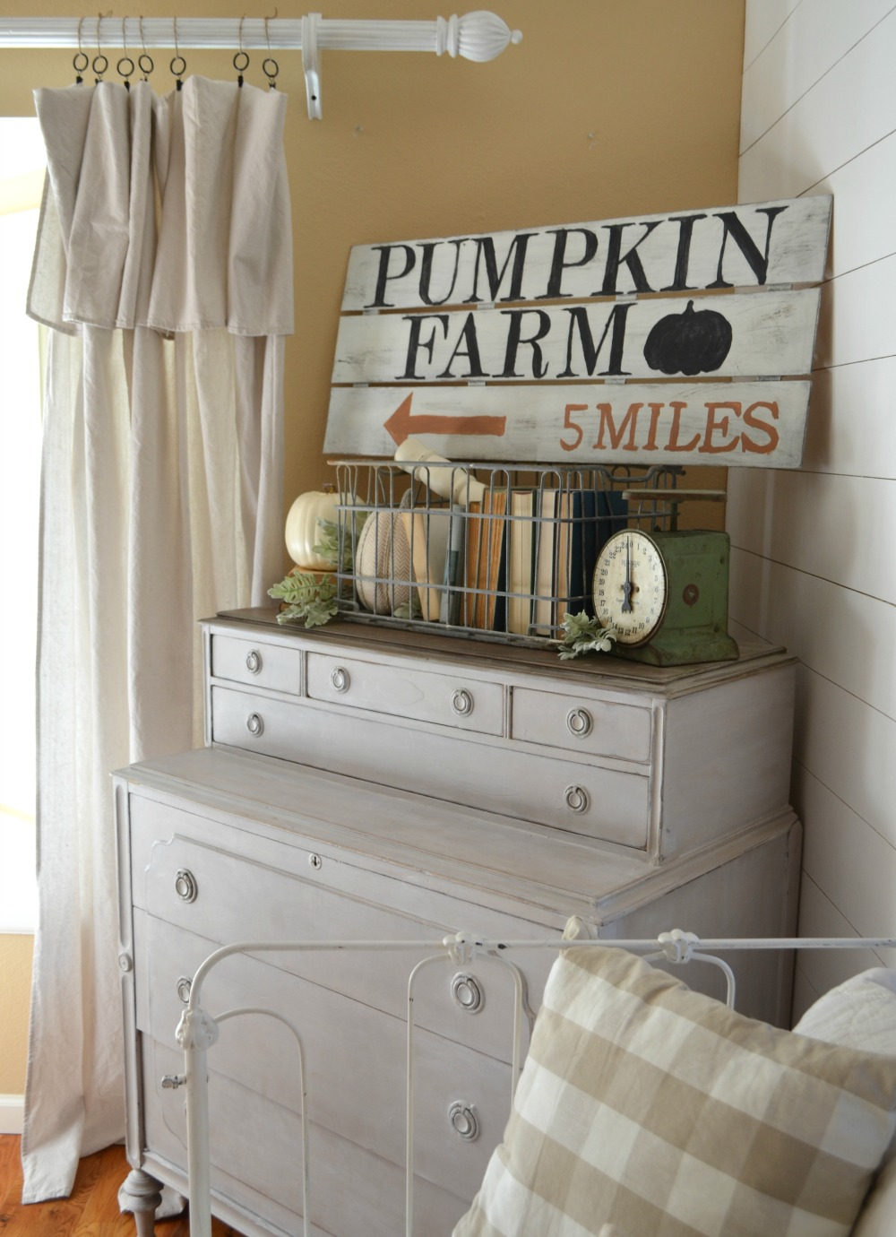 DIY Pumpkin Farm Sign
