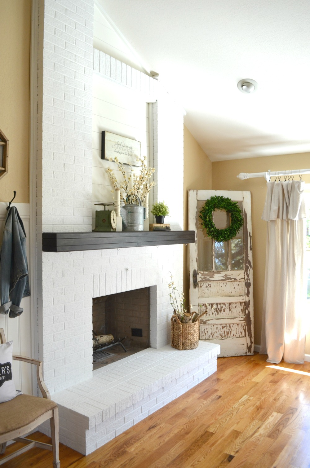 How to paint a brick fireplace little vintage nest Color ideas for living room with brick fireplace
