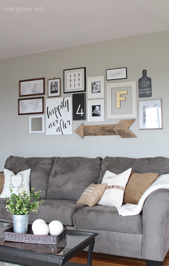 Creative ways to decorate above the sofa little vintage nest for How decorate family room