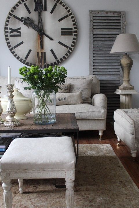 Creative Ways To Decorate Above The Sofa