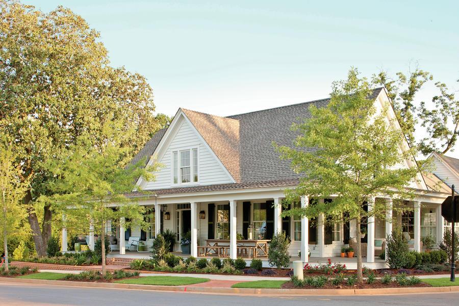 Farmhouse exterior paint color ideas - How long does exterior paint last on wood ...