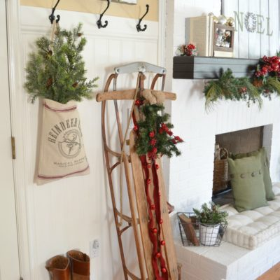A Vintage Christmas Entryway
