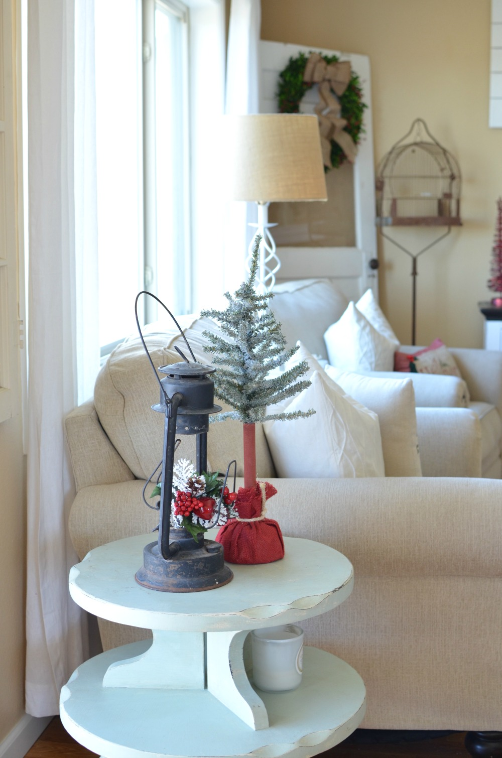 Cozy Christmas Living Room - Little Vintage Nest
