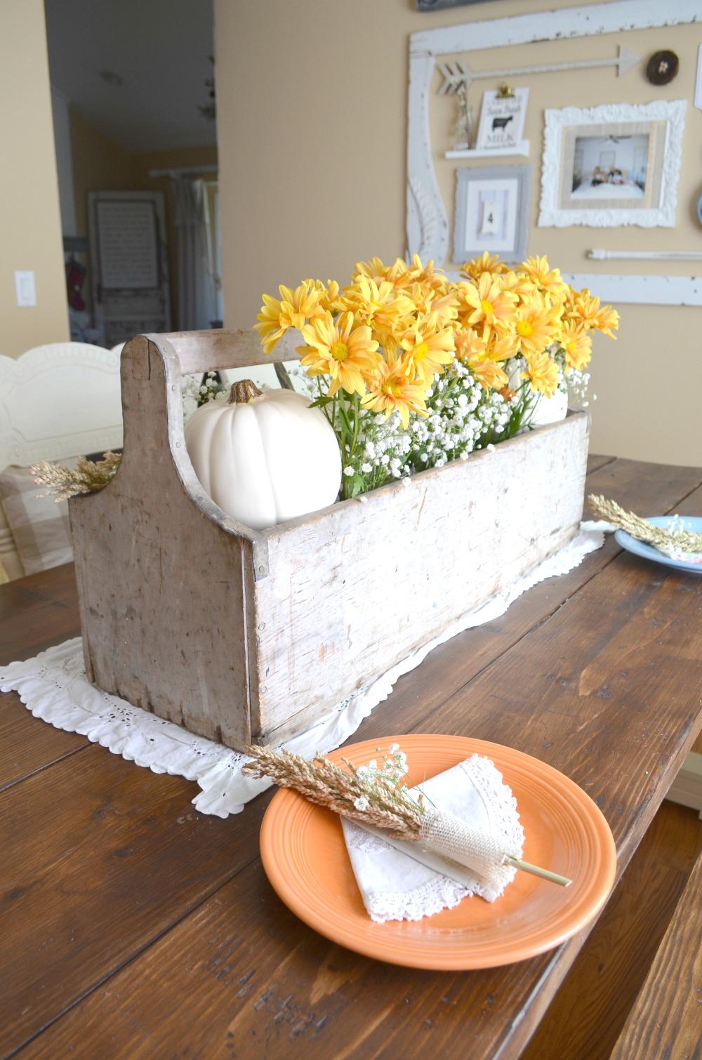 Vintage thanksgiving table little nest