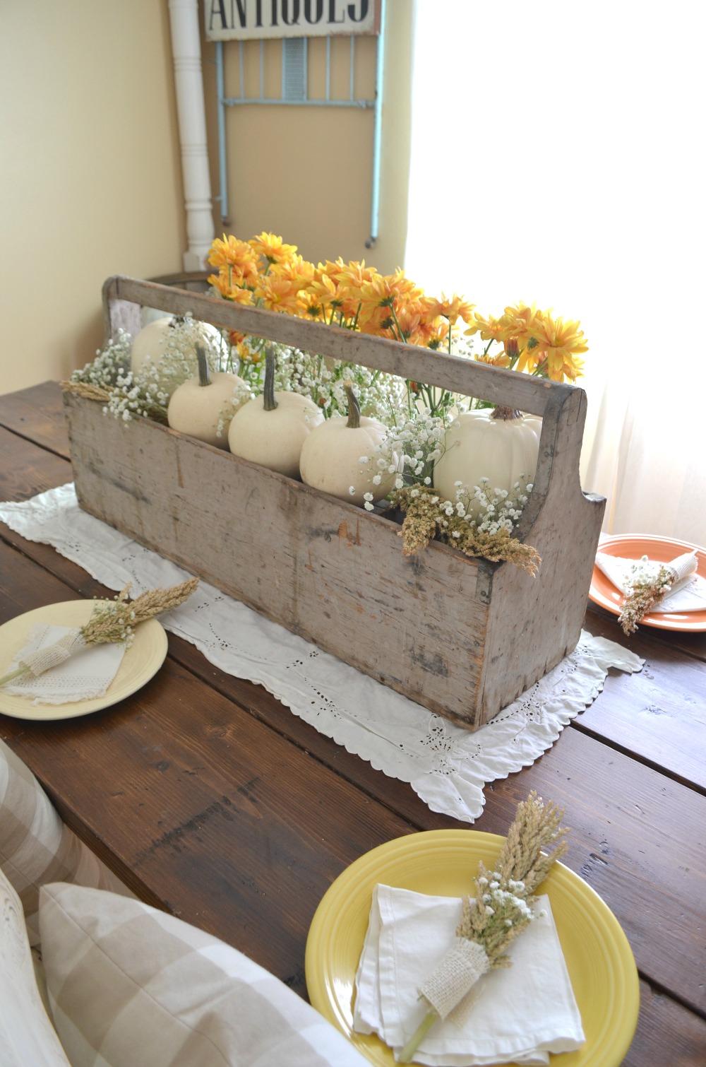 Vintage Thanksgiving Centerpiece : Vintage thanksgiving table little nest