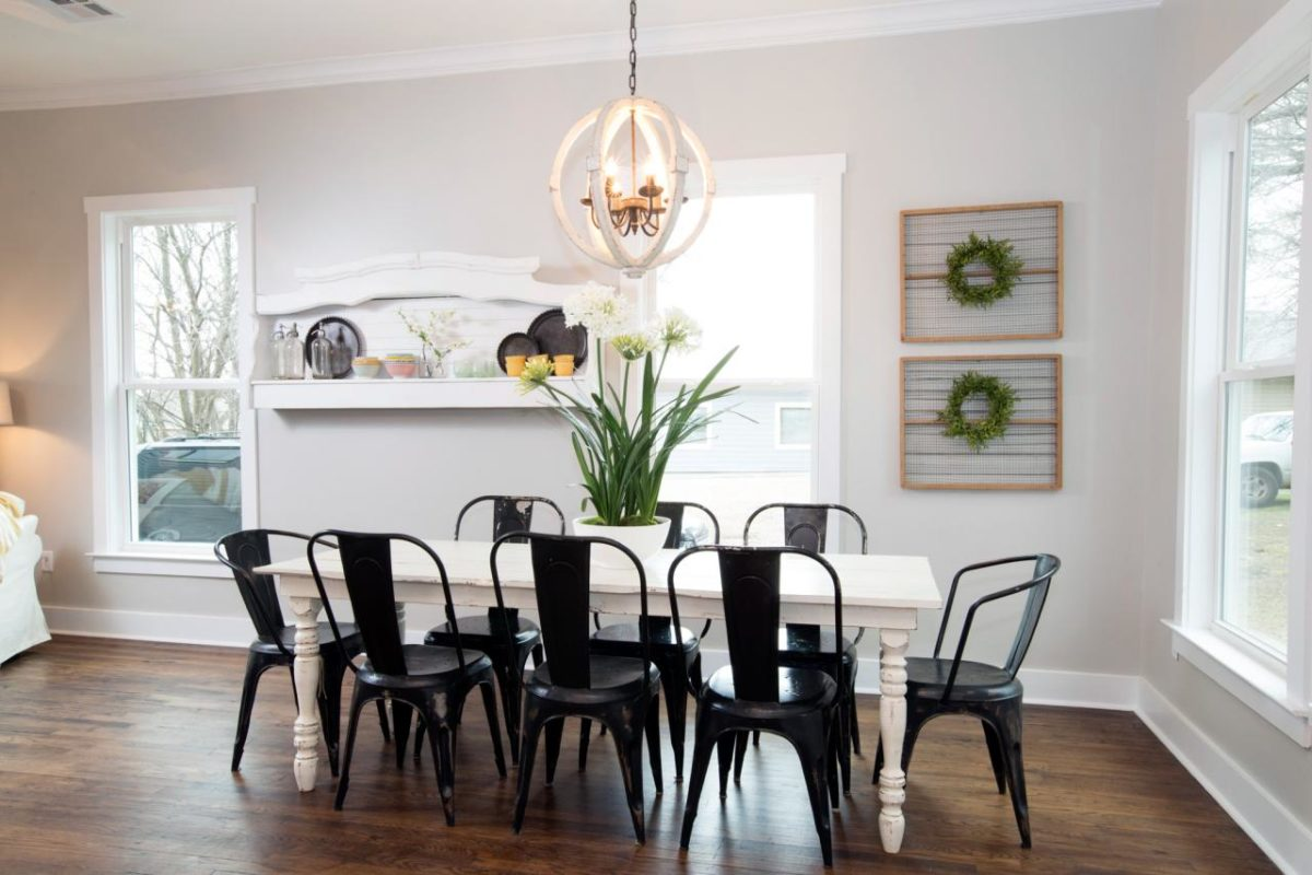 Favorite fixer upper dining rooms for Vintage style dining room ideas