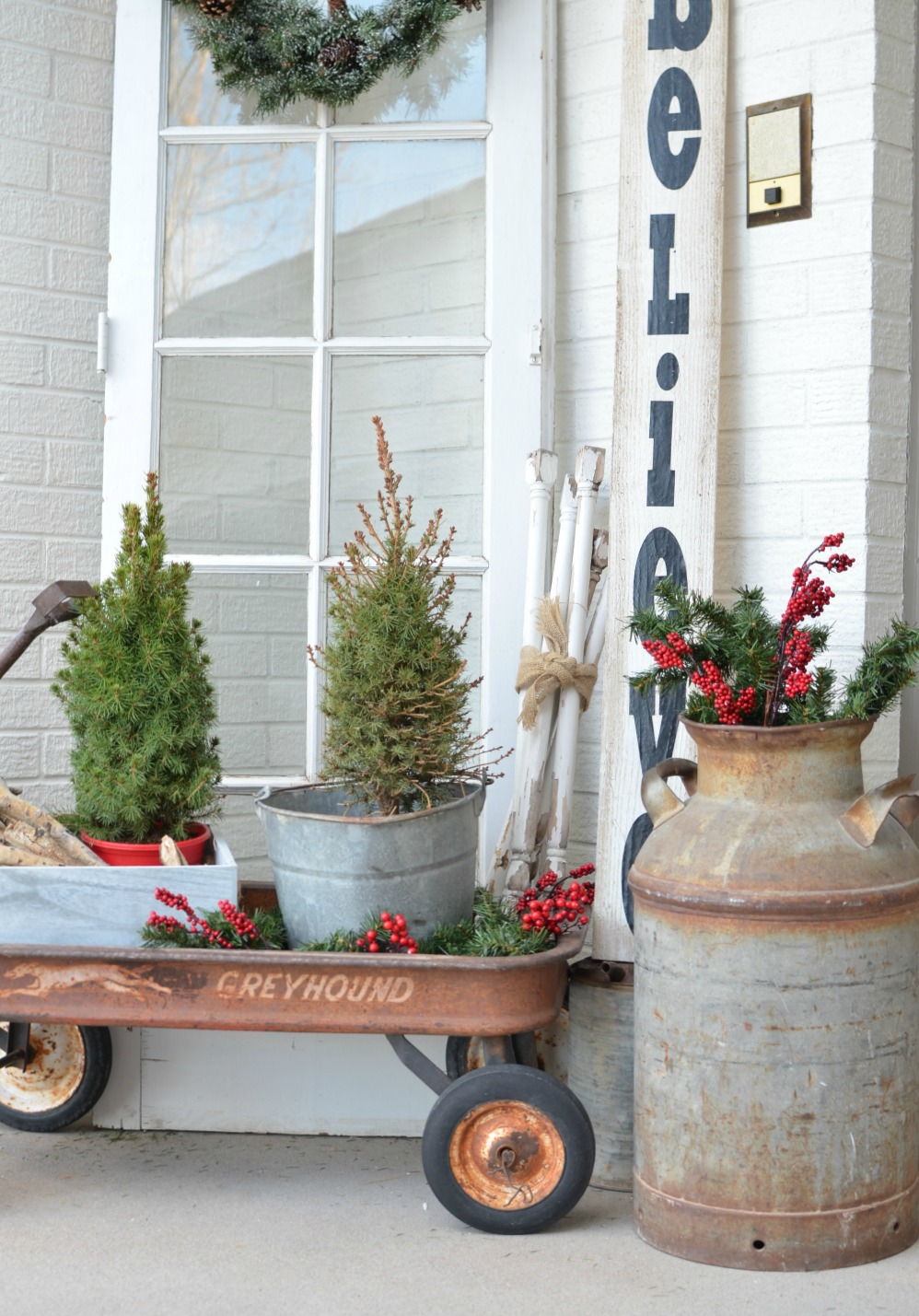 add one of these wagons to your yard sale list this summer theyre perfect for outdoor decor - Vintage Outdoor Christmas Decorations For Sale