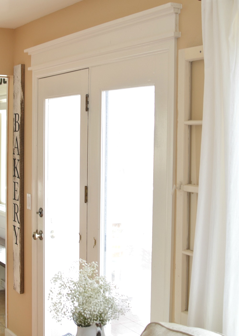 DIY Farmhouse Door Trim