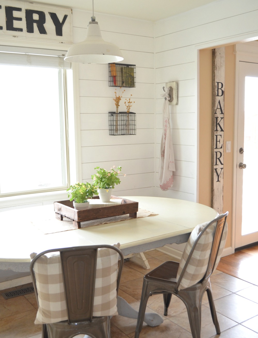 How I transitioned to farmhouse style and practical tips to help you find your own style.
