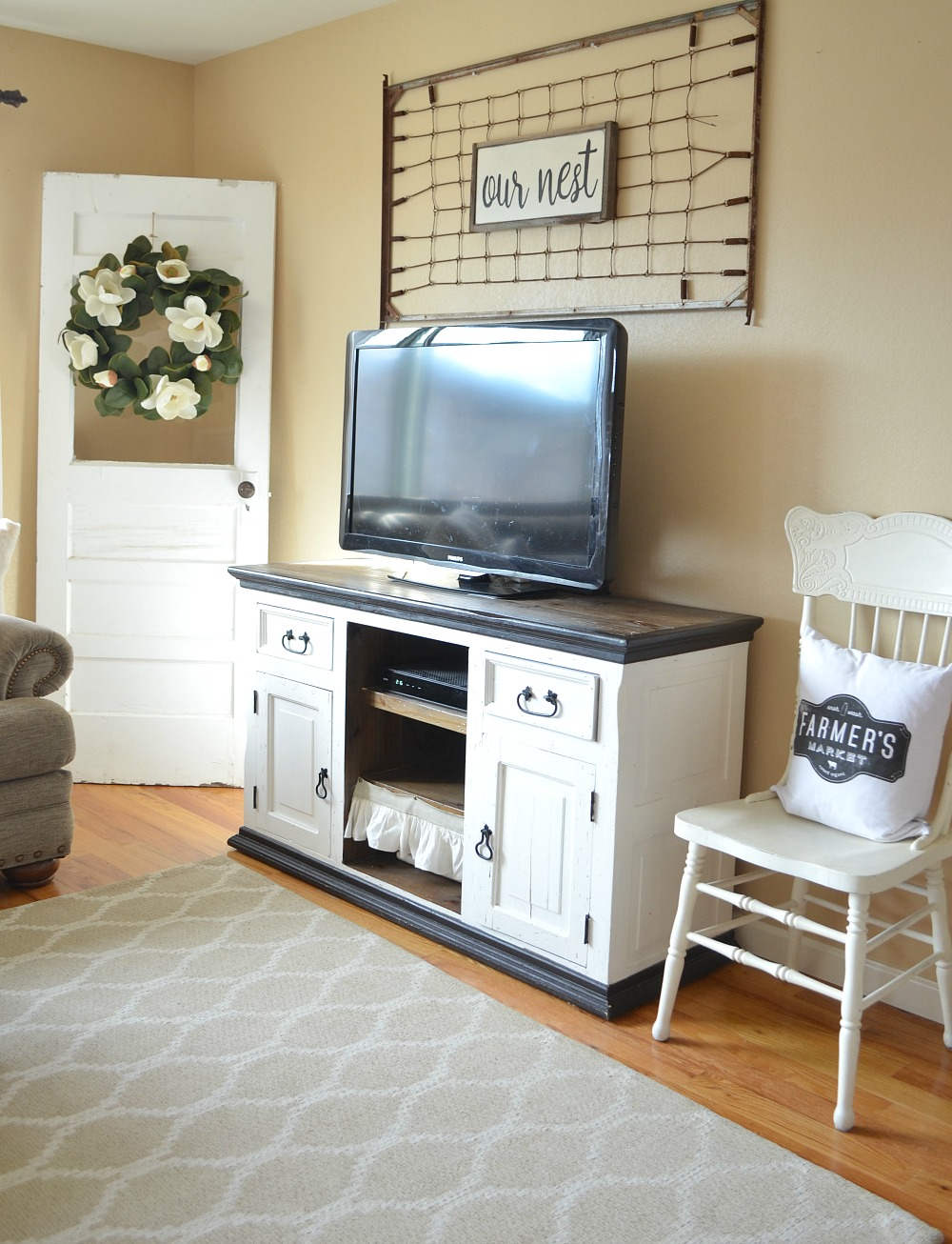 Refreshed Modern Farmhouse Living Room. Vintage Inspired Idea To Decorate  Around The TV.