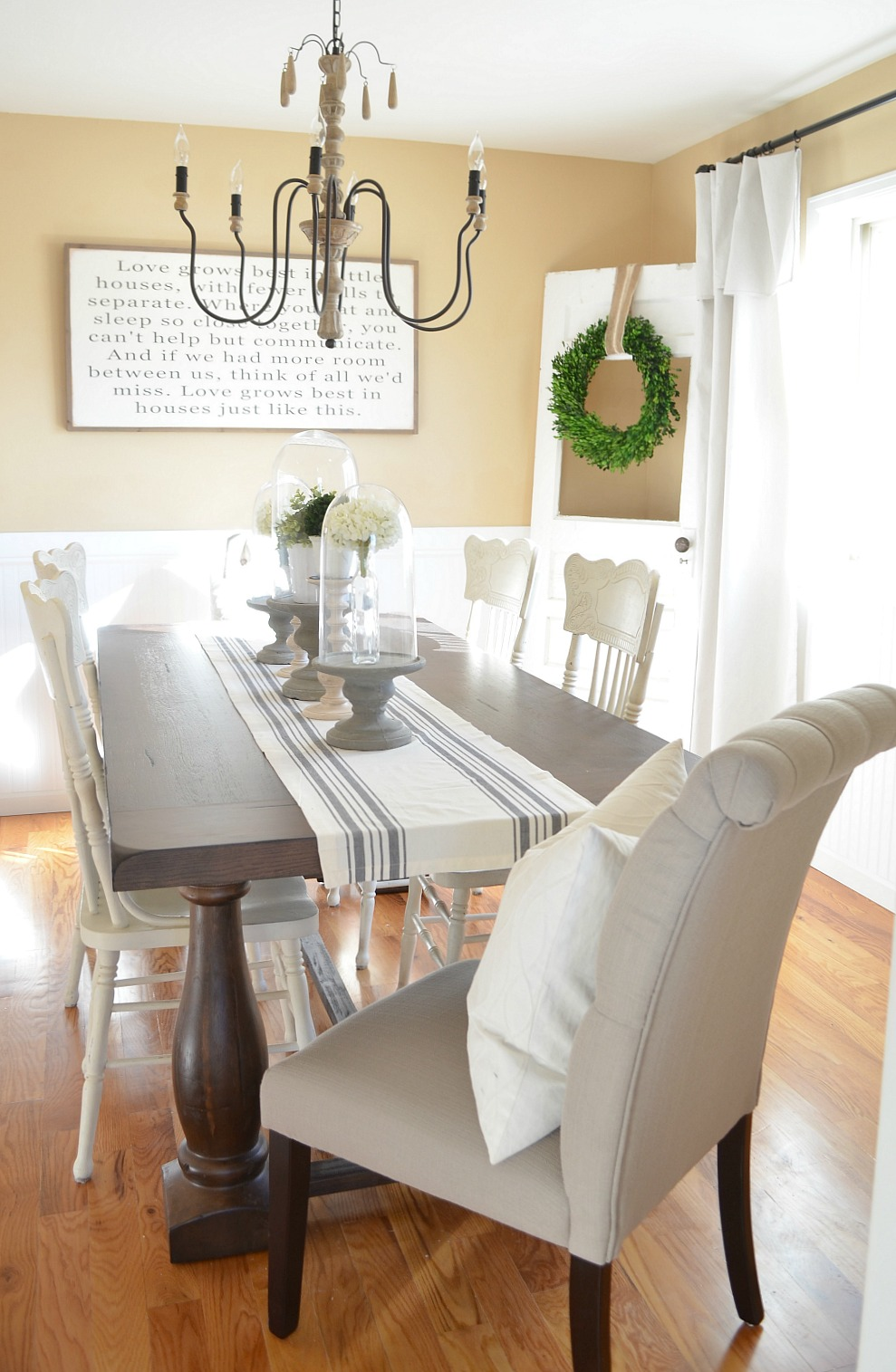 Modern Farmhouse Dining Room Makeover. Beautiful dining room makeover full of vintage farmhouse charm!