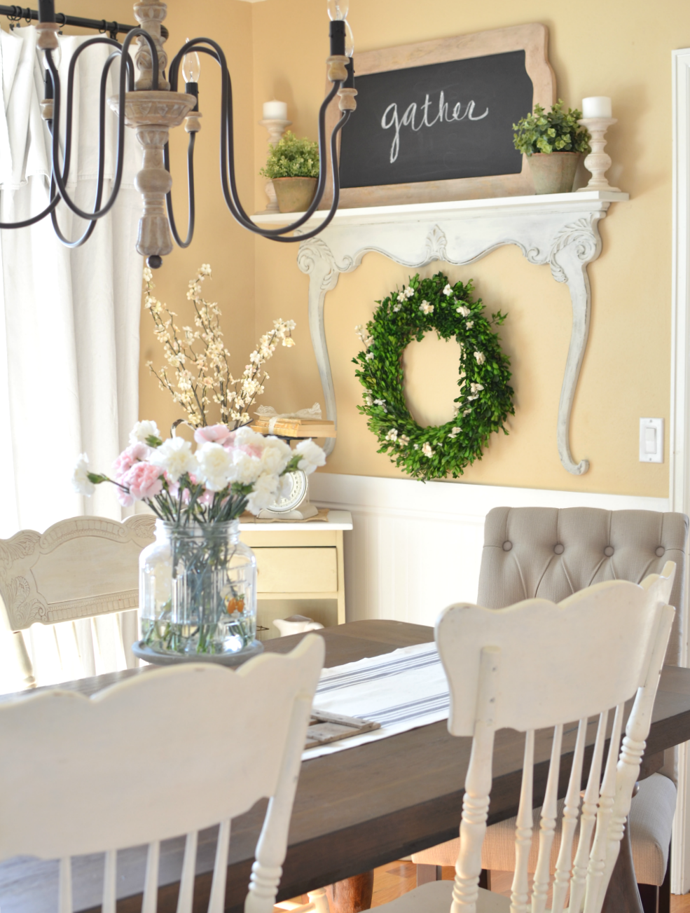 Modern farmhouse dining room with DIY shelf made with a vintage dresser harp. Vintage farmhouse style decor.