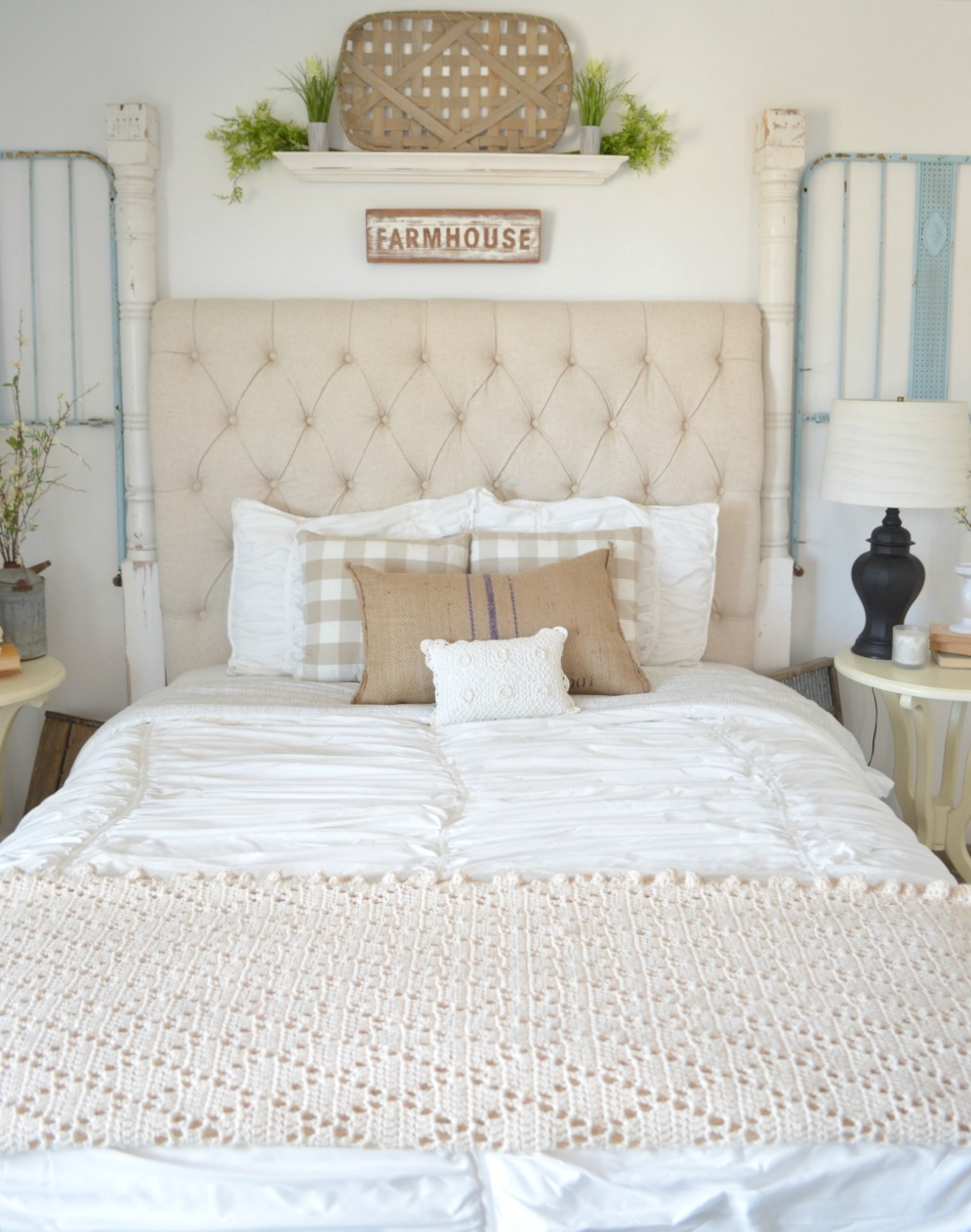 Vintage Crib Frame in Guest Bedroom. Vintage farmhouse bedroom decor ideas.