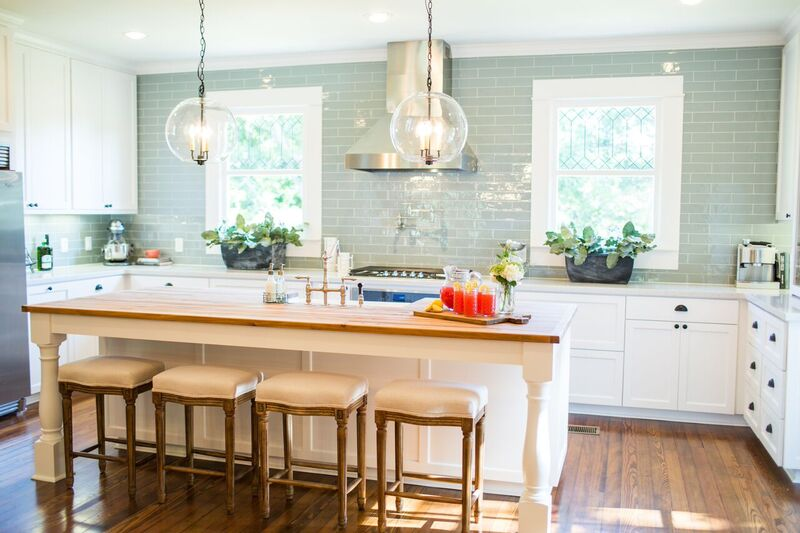 The Best Fixer Upper Kitchens Beautiful Farmhouse Style Kitchen All Done By Joanna Gaines