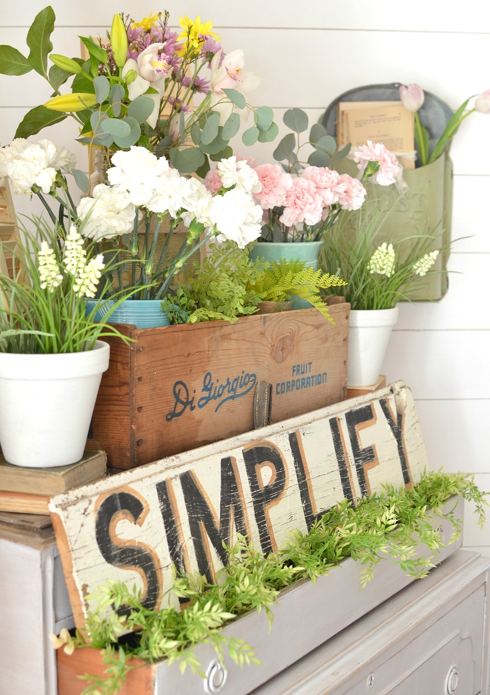 Vintage dresser and a pretty spring vignette for Decor vignette