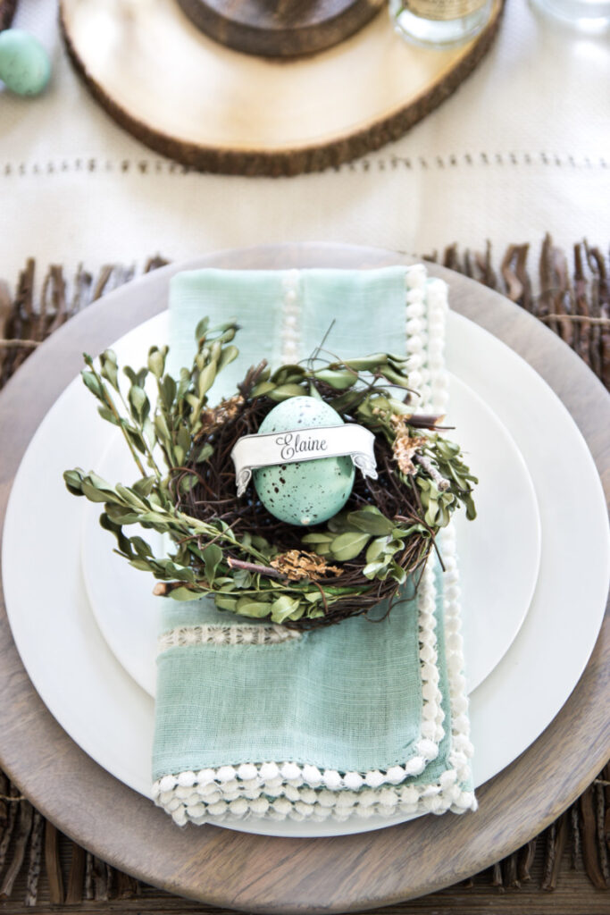 Farmhouse Style Easter Decor Ideas. Great Easter table setting. & Farmhouse Style Easter Decor Ideas