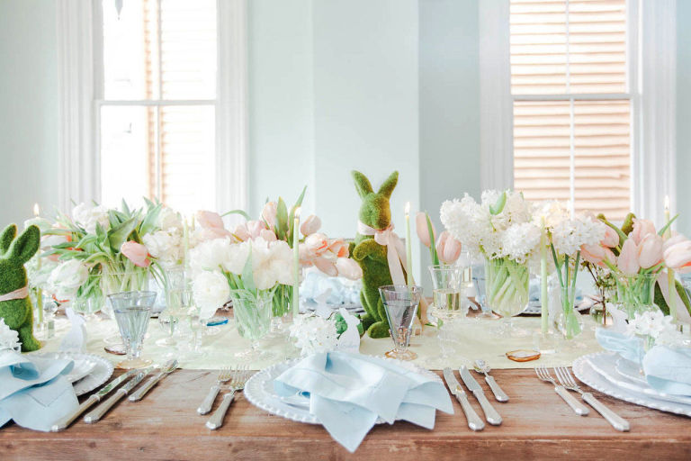 Farmhouse Style Easter Decor Ideas. Beautiful Easter tablescape with fresh flowers and greenery.