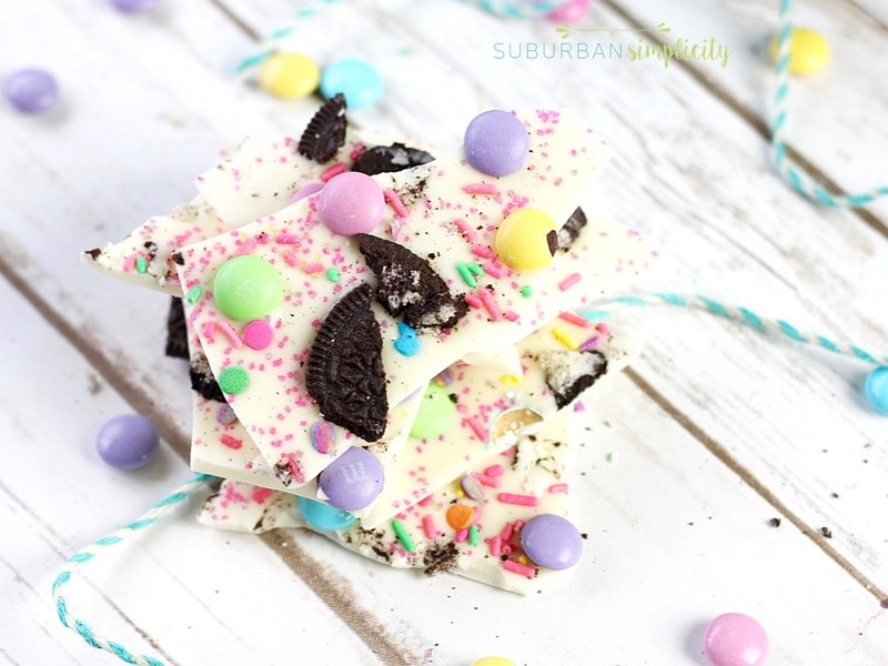 Friday Favorites: Easter Oreo Bark