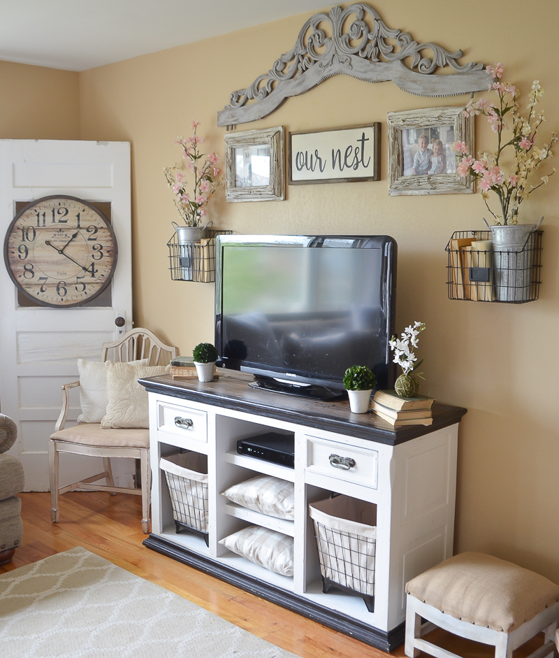 Tv Room Design Ideas: Easy Farmhouse Style TV Stand Makeover