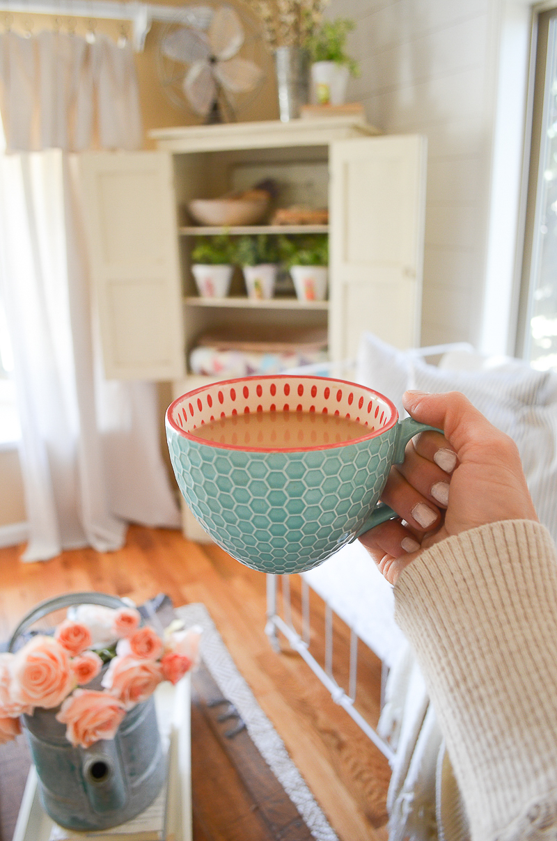 Friday Favorites: Honeycomb Coffee Mugs
