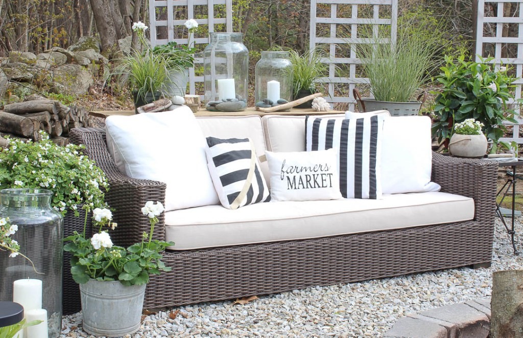 Beau Farmhouse Style Outdoor Decorating Ideas And Shopping Guide