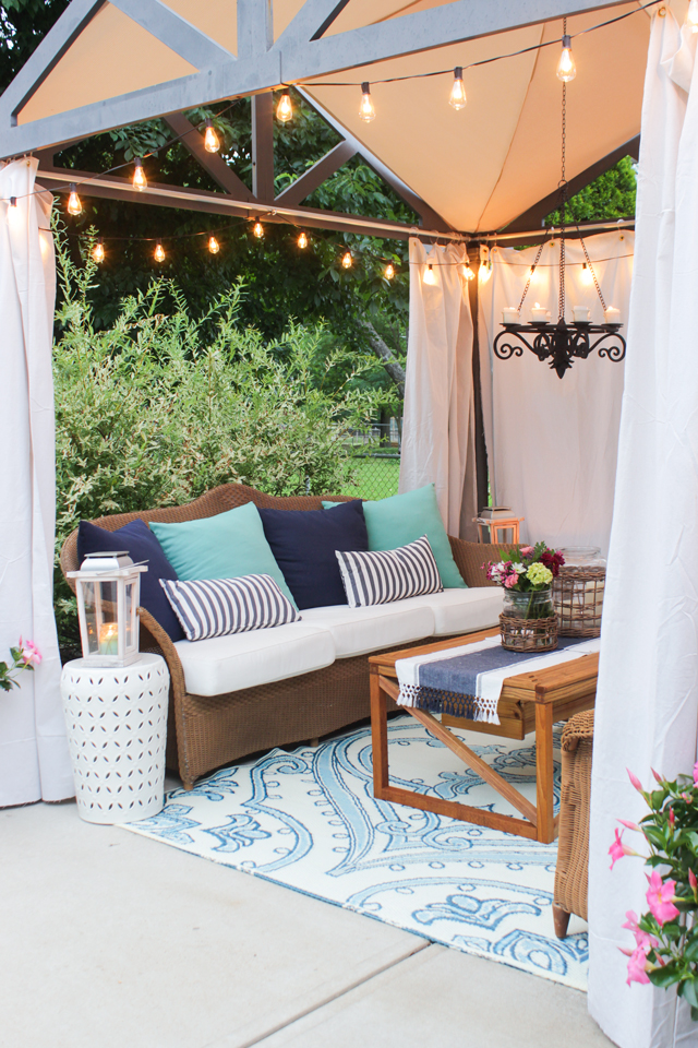 Farmhouse Style Outdoor Decorating Ideas & Shopping Guide on Farmhouse Yard Ideas id=14961