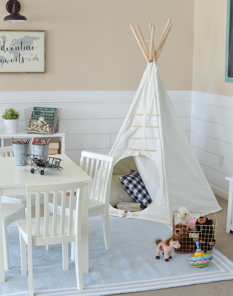 Modern Farmhouse Playroom. Adorable farmhouse style decor in kid's playroom.