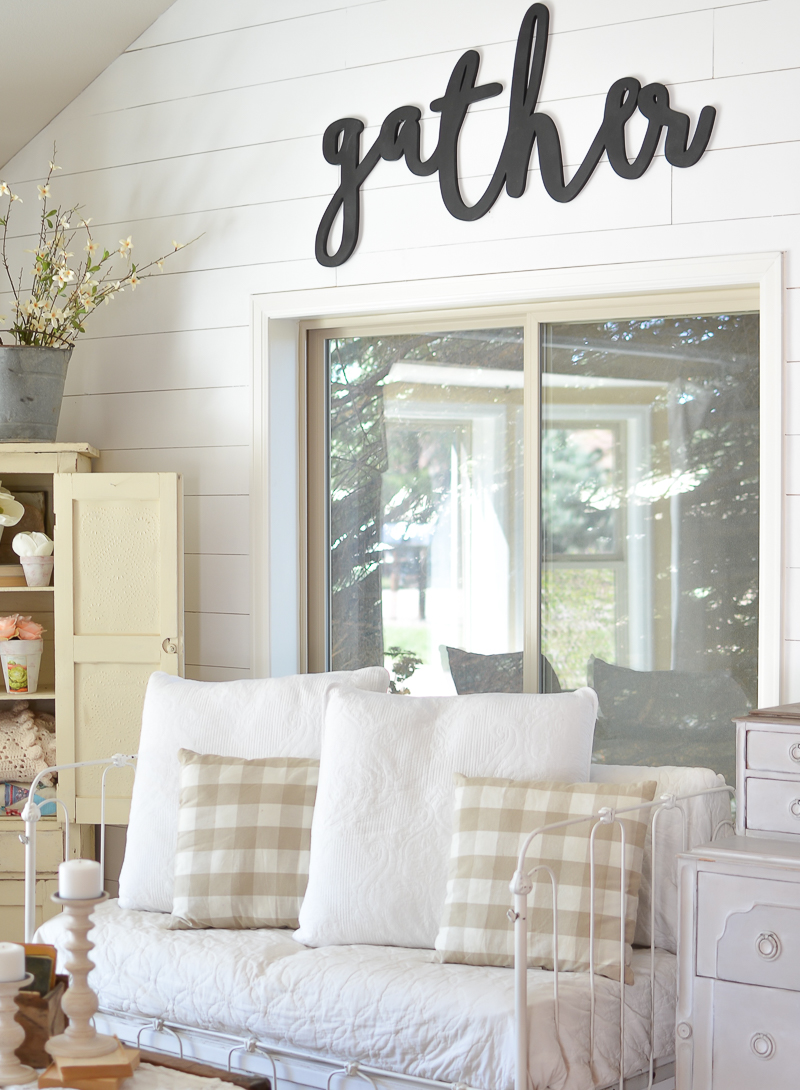 Vintage Farmhouse Decor in Living Room