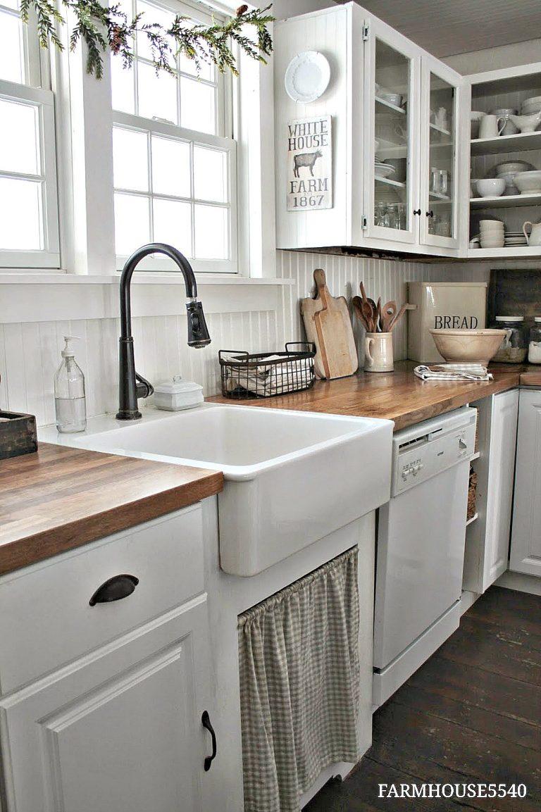 Friday favorites farmhouse kitchen goodies more - Cocinas vintage blancas ...