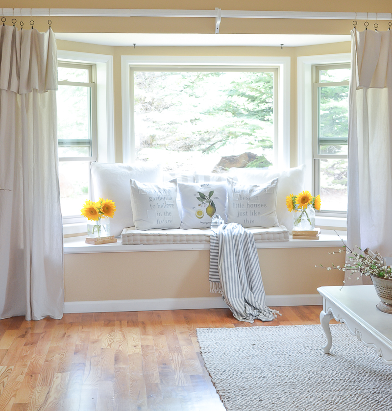 Cozy Farmhouse Style Window Seat