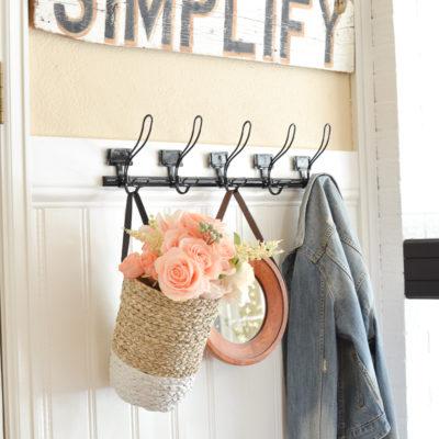 Simple Farmhouse Style Entryway
